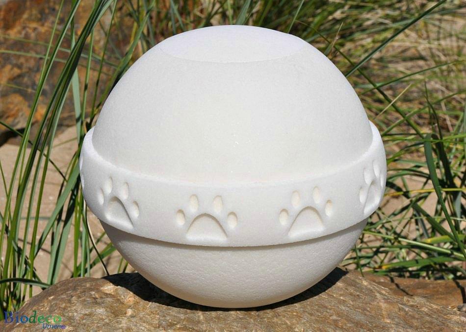 Biologisch afbreekbare dieren-urn met pootafdrukken